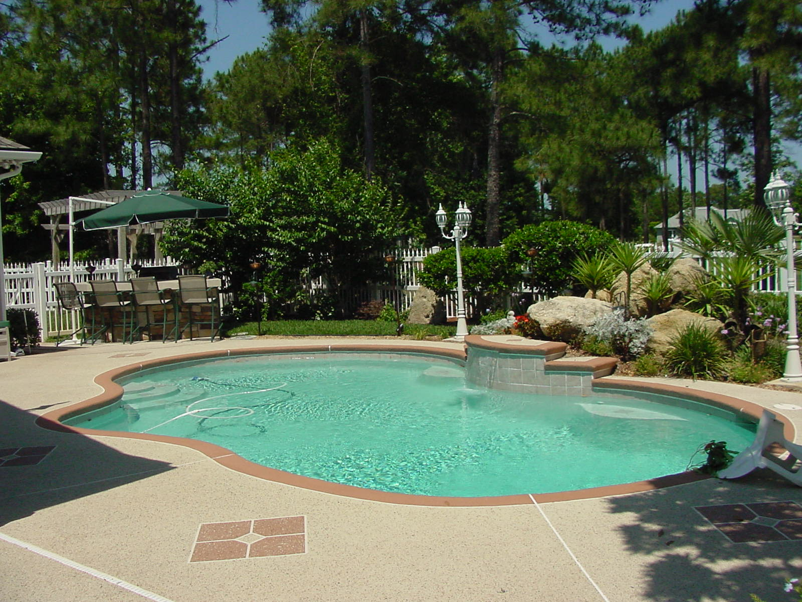 Advantages Of A Pool Fence Vs Screened In Enclosure Best Fence Rail Of Florida